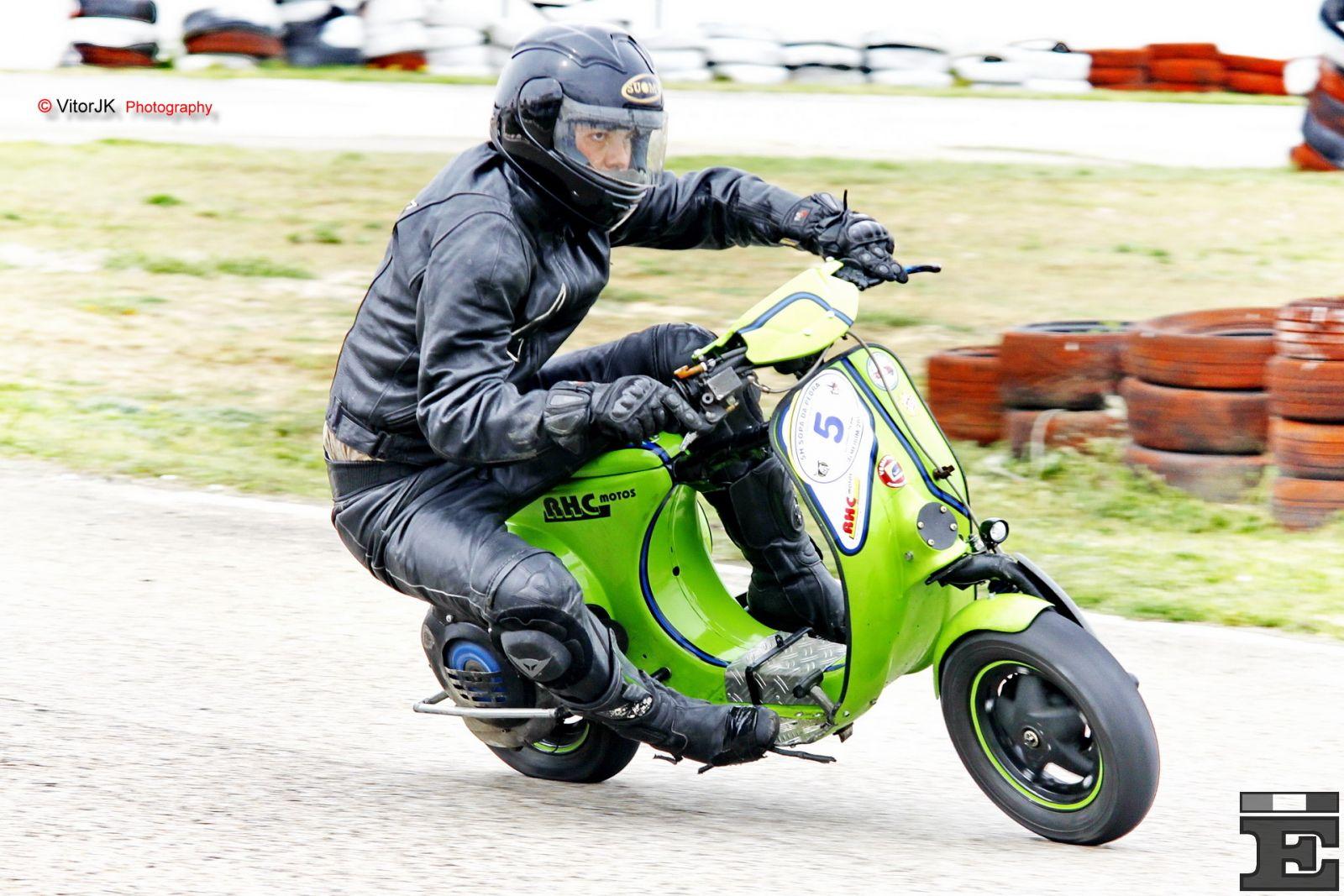 Vespa 50S Racing